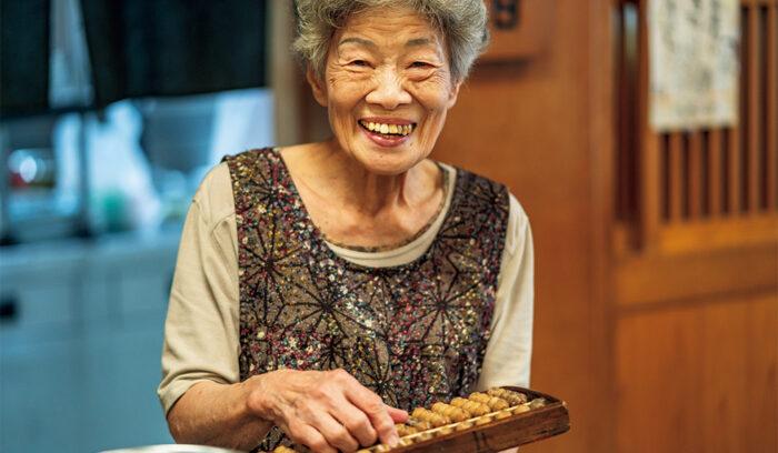 83歳の居酒屋看板娘。三重・伊勢「一月家」森田礼子